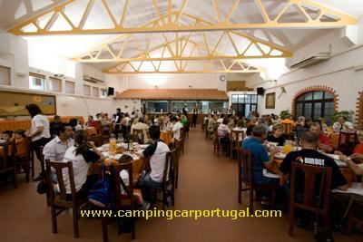 À noite, realizou-se o jantar de grupo, no restaurante Celeiro. Um jantar onde não faltaram as entradas, os pratos e os doces tipicamente alentejanos