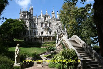 O Palácio e a Quinta da Regaleira nasceram no início do séculoXX, da imaginação do seu proprietário, António Augusto Carvalho Monteiro, e do arquitecto responsável pelo projecto, o italiano Luigi Manini