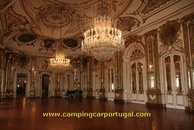 Dentro do Palácio